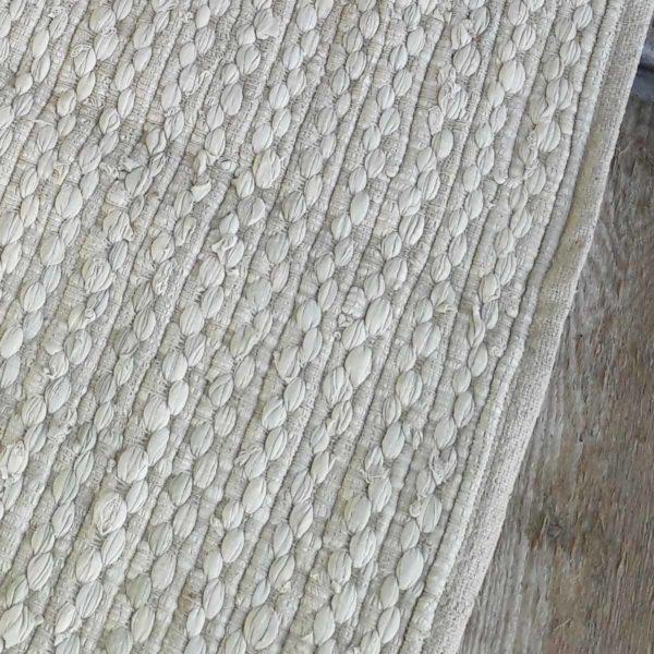 Vloerkleed beige 180x240cm ingezoomd