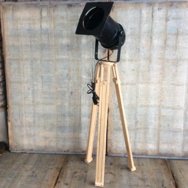 Theaterlamp met eikenhouten statief